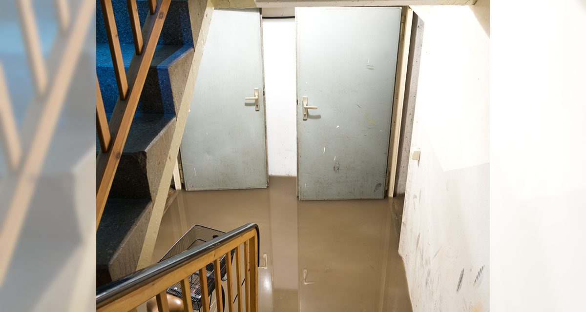 https://www.schaiblesplumbing.com/wp-content/uploads/2021/02/Flooded-basement-1200x640.jpg
